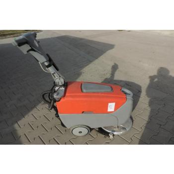 Scrubmaster B12 - umývací podlahový stroj %22POUŽÍVANÝ%22
